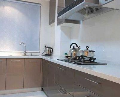 家庭厨房烤漆橱柜装修效果图片