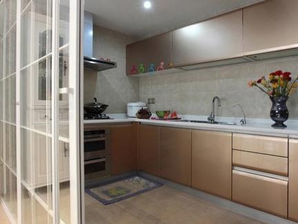现代简约厨房香槟色橱柜效果图