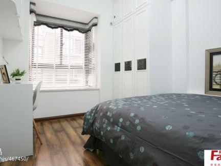 现代简约小卧室衣柜设计效果图