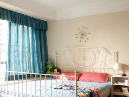 简单小卧室装修设计图片