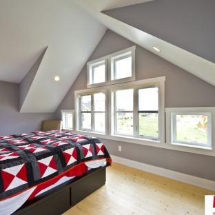 尖顶阁楼房子卧室装修效果图大全