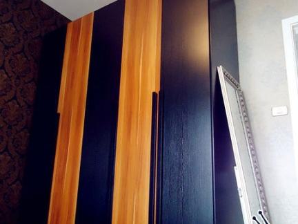 卧室实木衣柜柜门效果图欣赏