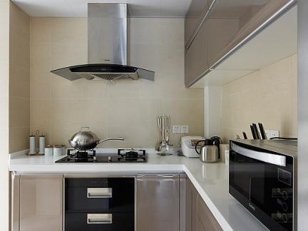 家装L型厨房香槟色烤漆橱柜效果图