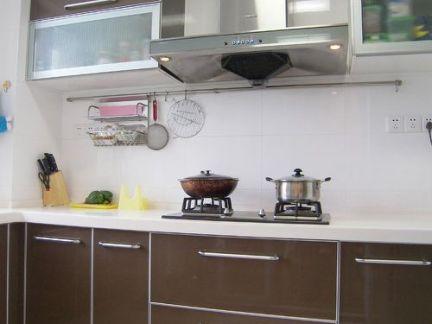 家装小厨房烤漆橱柜装修效果图