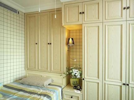 2013小卧室板式家具衣柜图片