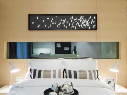 简约卧室床背景墙装饰效果图