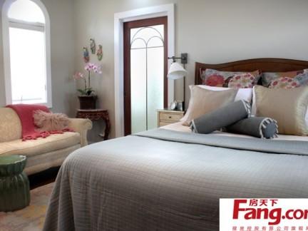 小户型单身公寓装修 简约素雅的卧室