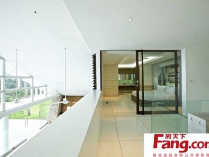 独立别墅透明的卧室进门玄关装修效果图