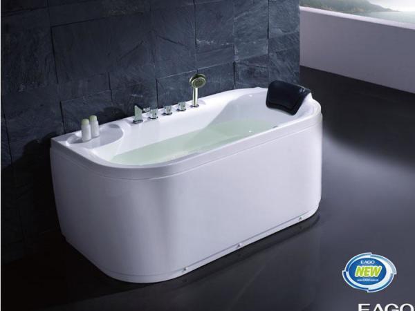 高品质进口亚克力,全裙浴缸,带台式浴缸龙头