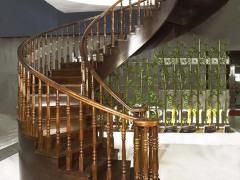 本司专业销售各种楼梯