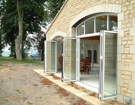 ALAFORM室外悬挂铝合金折叠门系统