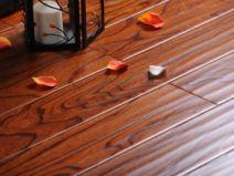 北美枫情滴翠石榴实木多层地板图片