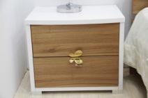 顶固摩卡胡桃 白浮雕床头柜图片
