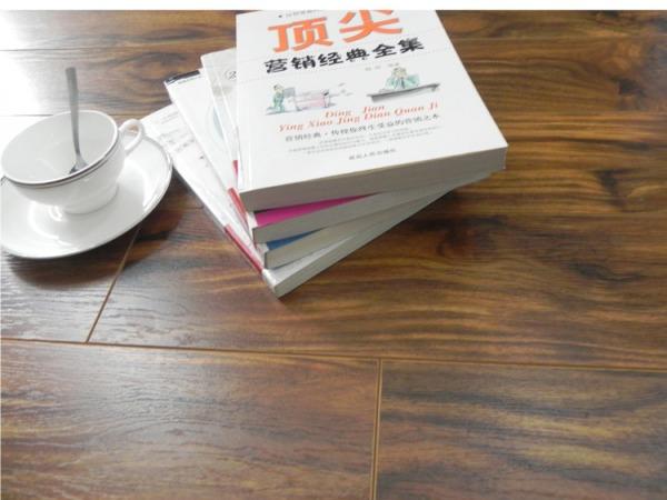 贝尔地板 相思木系列 自然真木纹拉丝 家用12mm