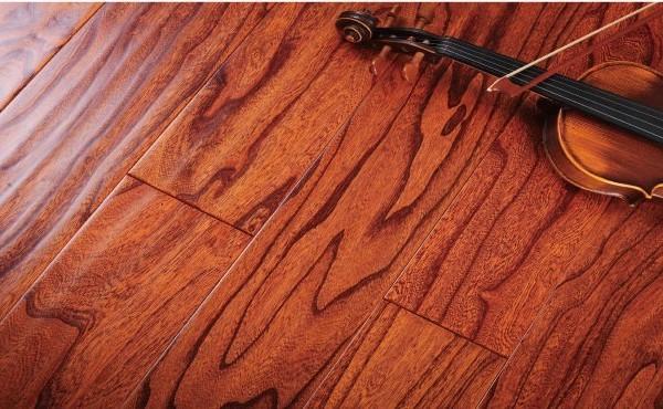 木臣一品地板 多层实木 斑驳年轮