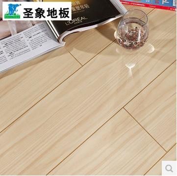 圣象强化复合木地板GT7121浅色枫木