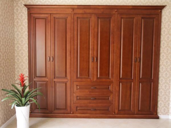 玛格定制家具 经典欧式M05实木衣柜
