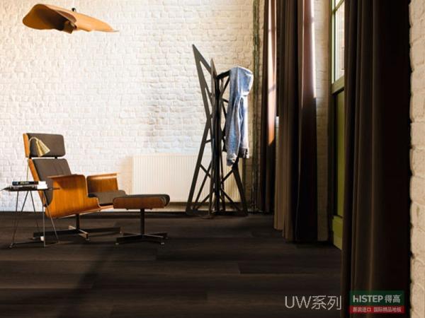 比利时快步舒适系列 UW1540-深色烟熏橡木 强化复合地板