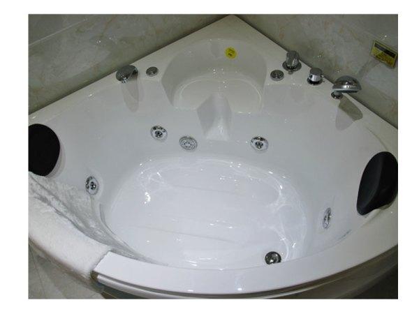 马丁路易卫浴 冲浪按摩浴缸