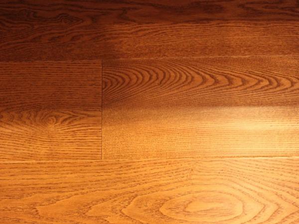 圣象KG6119纽伦堡桉木三层实木地板