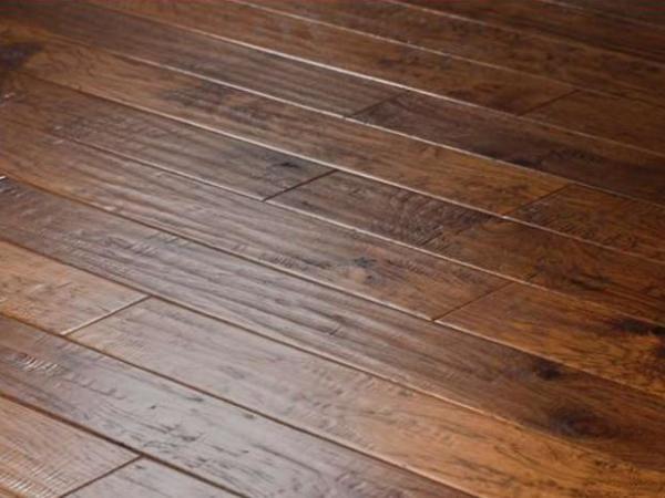 圣象CP8102科罗拉多山核桃多层实木地板