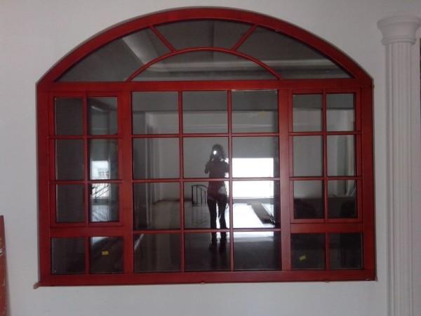 伊博莱70系列木包铝门窗