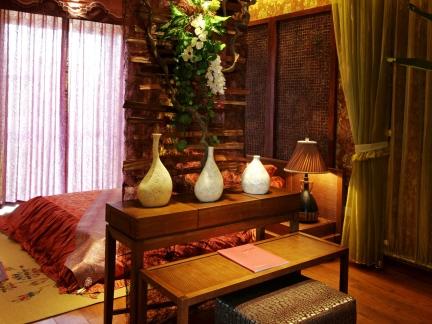 中式古典三居室卧室影视墙装修效果图