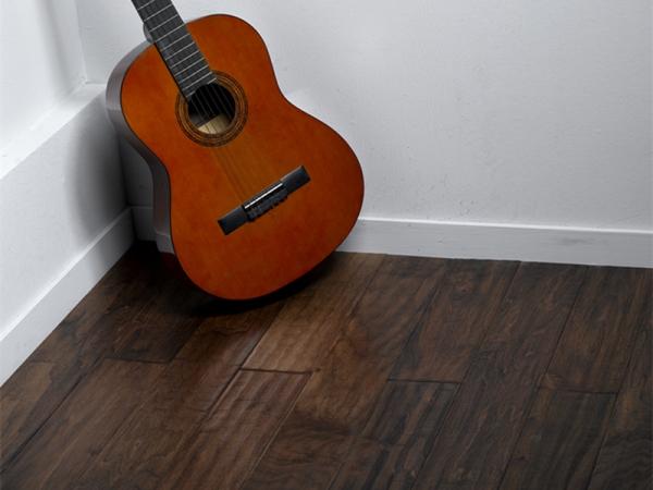 生活家 黑核桃-国王宫殿 实木复合地板