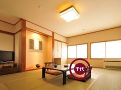 千代和室榻榻米 实木衣柜 储物式地柜 收纳大空间 定制家居