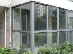 凤铝推拉窗(配钢化玻璃)