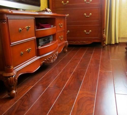 北美枫情诺丁汉实木复合地板