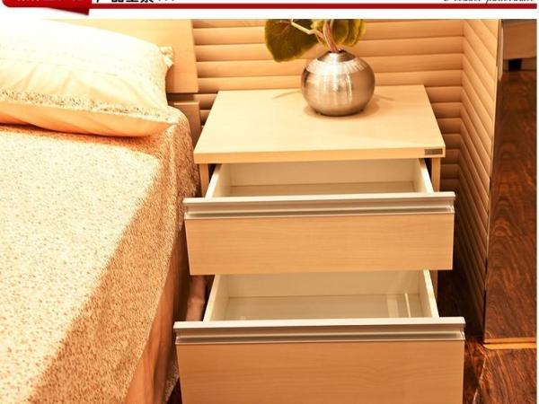 索菲亚衣柜-床头柜