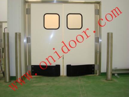 欧妮特门业专业生产现代工业所需的各种防撞门、卷帘门、冷库门、