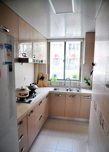 现代简约-95.99平米三居室-装修样板间