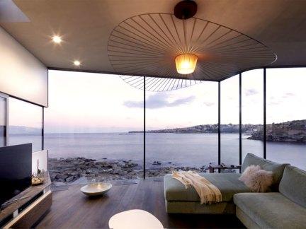 大气的现代海岸别墅 美不止一面