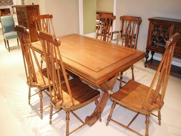 美驰青岛一木长餐桌