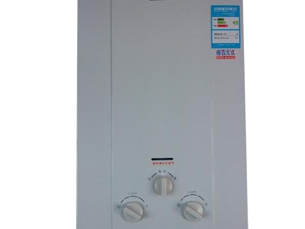 万和JSQ16-8M3强排式8升四季型燃气热水器