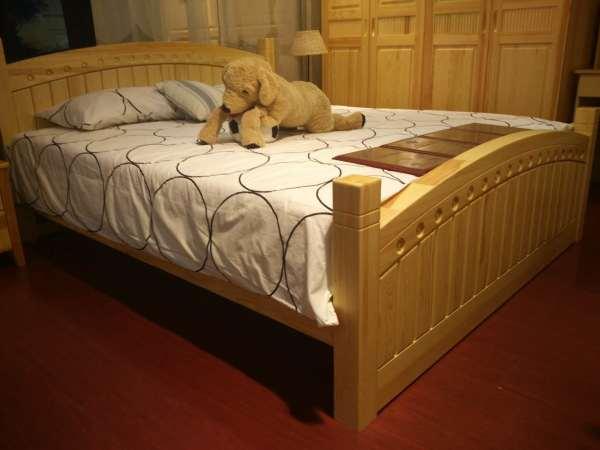 阳光芭比诺 实木大床 3000元