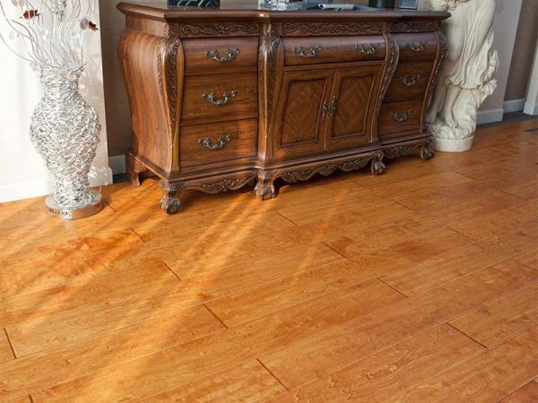 融汇罗浮宫光影实木复合地板