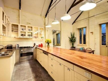 60平公寓美式风格敞开式厨房装修图