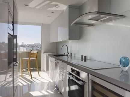 三居室现代风格敞开式厨房装修图