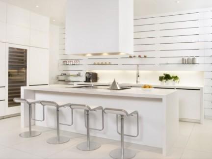 时尚三居室白色现代风格敞开式厨房装修图
