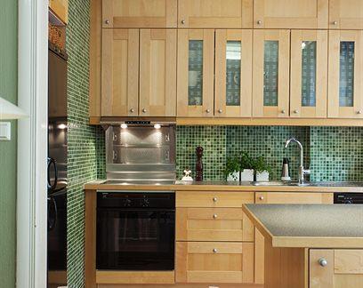 时尚简约风格别墅厨房平开门橱柜图片欣赏