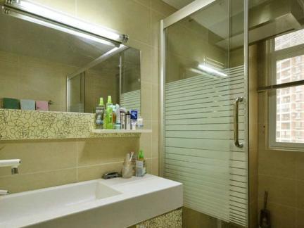 现代风格卫生间铝扣板吊顶效果图欣赏