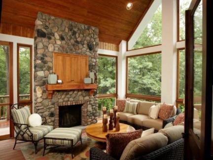 田园风格客厅木质吊顶装修效果图