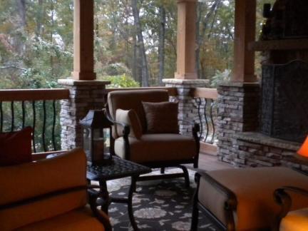 复古别墅阳台家具装修设计