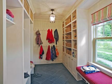乡村美式衣帽间储物柜装修设计