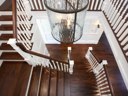 大型别墅实木楼梯装修设计