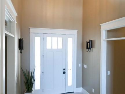 大型别墅入门室内装修设计