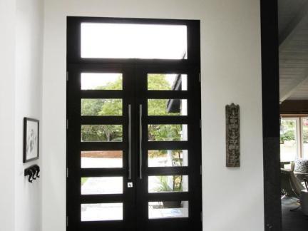 中式风格木制玄关复合门装修设计
